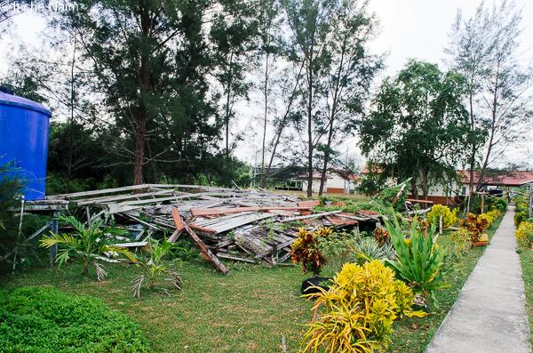 bangunan runtuh pulau banggi