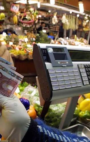 """Mercati e mercatini, la truffa del peso L'ufficio metrico: """"Controlli impossibili"""""""