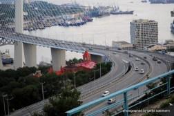 Solotoj Bucht und Brücke