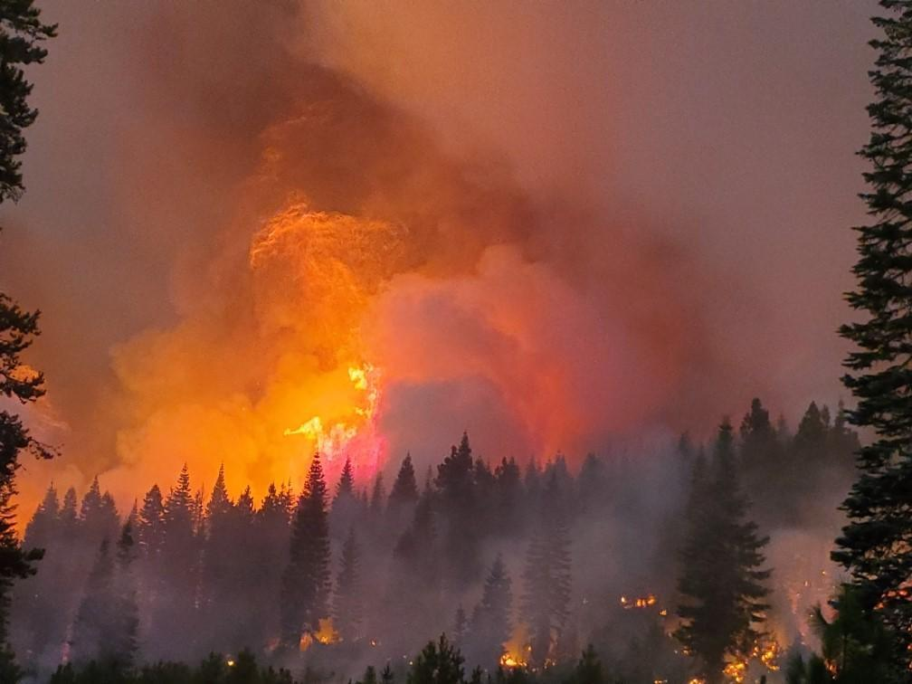 Night fire activity August 9, Stephens Butte
