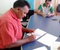 Manoel Edivaldo, presidente do STTR Santarém, assina o TCT