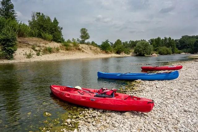 Différence entre canoë et un kayak