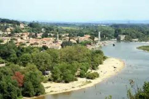 les gorges d'Ardèche: un tour en voiture