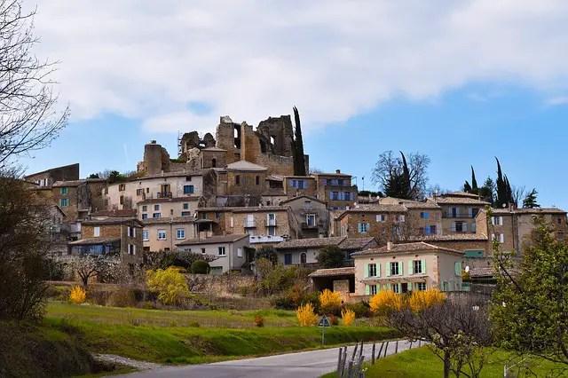 Guide de l'initié en Drôme Provençale (Secrets des habitants)