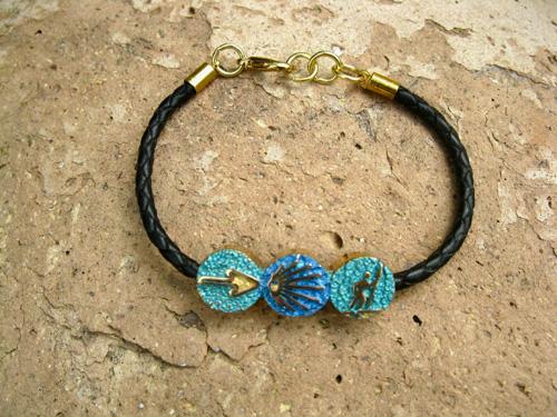Camino bracelet for support