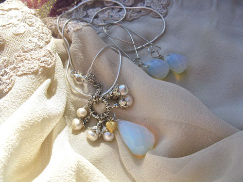Moonstone Pearl love necklace