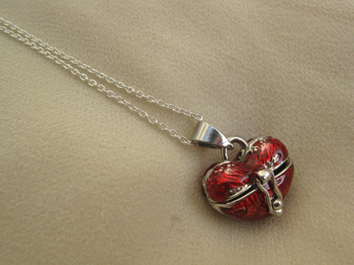 Heart wish box necklace