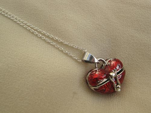 Heart wish box necklace
