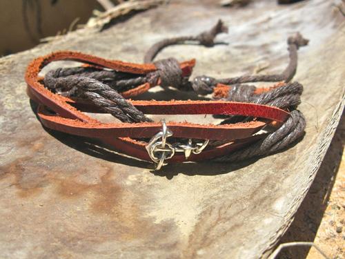 Anchor bracelet leather