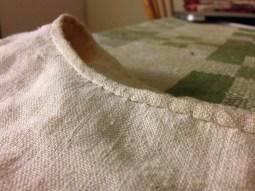 För att kunna få sömmarna riktigt platta så har jag gått över dom med min glättsten/To make the seams really flat I worked them with my smoothing stone