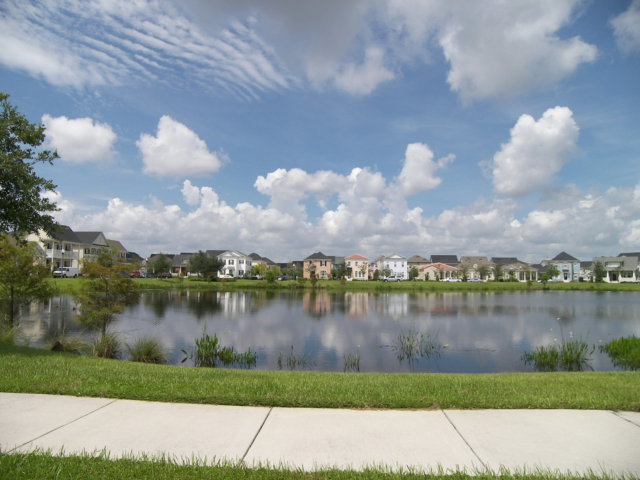 Hoa Realities Living Next To A Retention Pond Or Wetland Independent American Communities