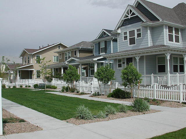 HOA homes sidewalk