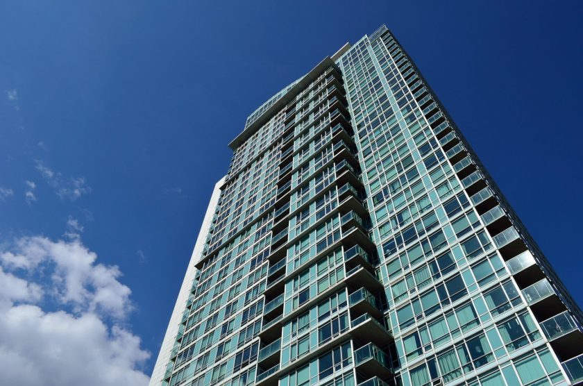 condo-2414328_1920 highrise urban glass