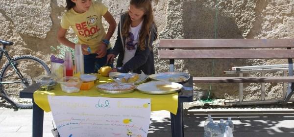Lemonade stand children