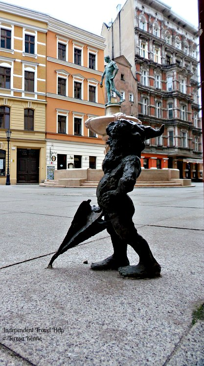 The Fencer Fountain & Gnomes of Wroclaw