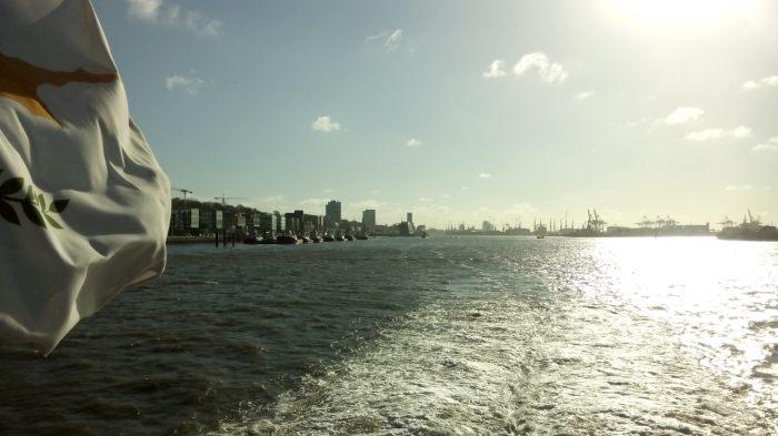 09.10 Uhr: Hamburg verschwindet
