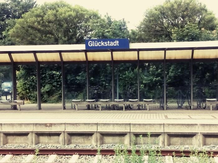 Die niedliche Seite des Bahnhofs liegt gegenüber