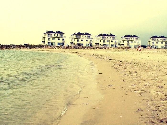 Sieht aus wie in den USA. Der Strand ist künstlich.