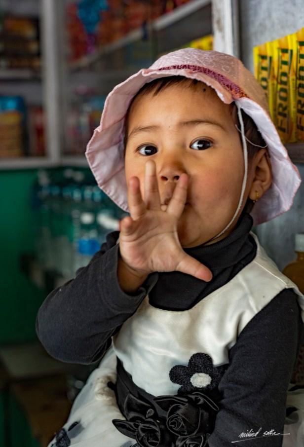 Little girl at Ghum railway station