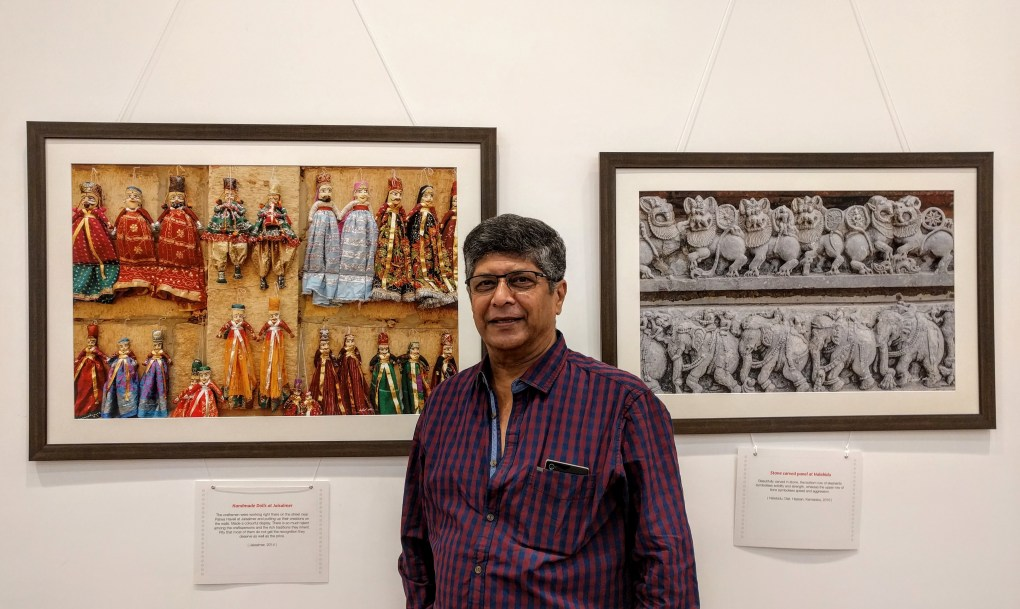 Dr. Madhav Sathe at Milind Sathe's solo photography show at Nehru Centre Mumbai - My pictures with their little stories - fundraiser for Nana Palkar Smruti Samiti, Mumbai