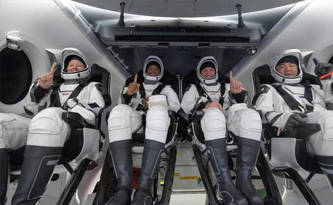 Astronauts Describe Returning To Earth On SpaceX Capsule: Felt Really Heavy