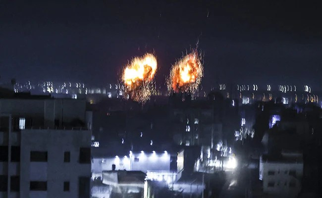 """Israel Launches Air Raids In Gaza In Response To """"Arson Balloons"""""""