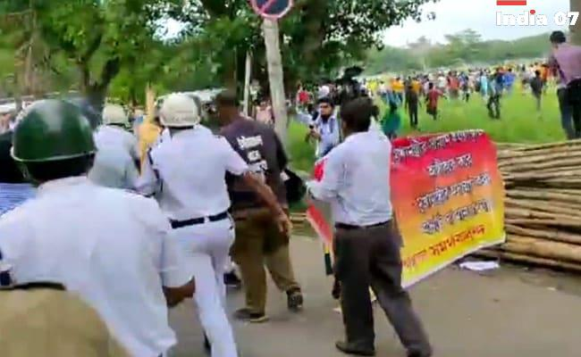 Fans Protest Against East Bengal Football Club Investor, Clash With Cops In Kolkata