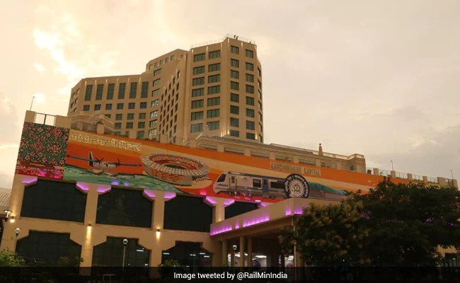 See Pics Of India's 1st Revamped Station