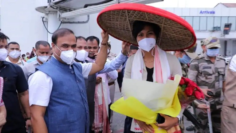 Tokyo Olympics bronze medallist Lovlina Borgohain receives grand welcome from Assam CM Himanta B Sarma at airport | Other Sports News