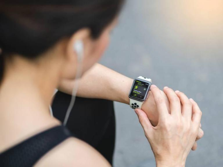 5 Key Features Of Wearable Smartphone Application Development