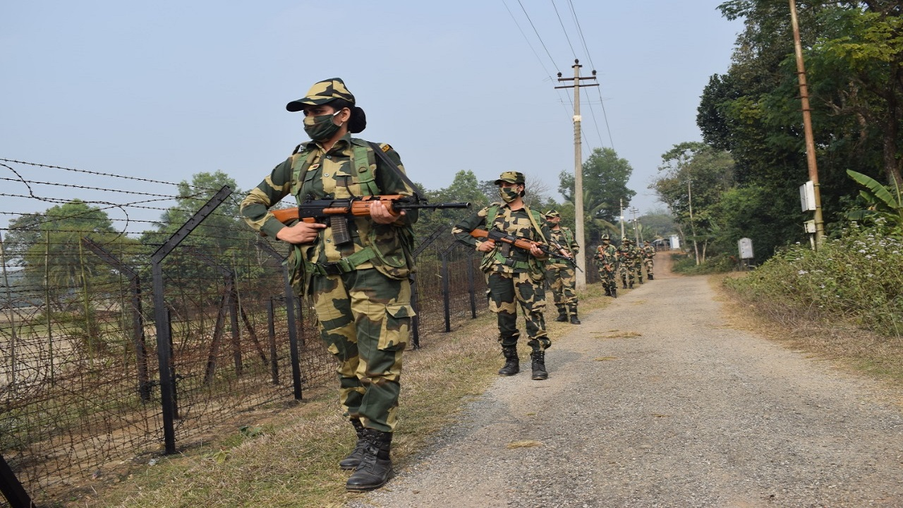 BSF foils infiltration attempt from Pakistan, arrests one intruder in Samba sector