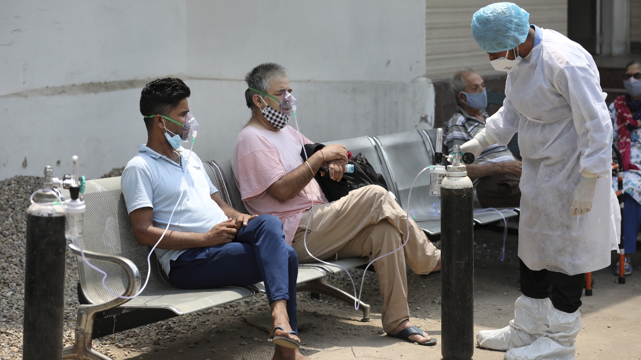 Centre Asks States to Submit Data on Deaths Due to Oxygen Shortage by Aug 13
