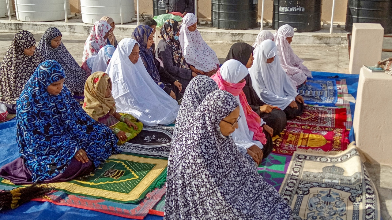 Eid celebrations low key in Tamil Nadu due to COVID-19 lockdown, families offer prayers at home