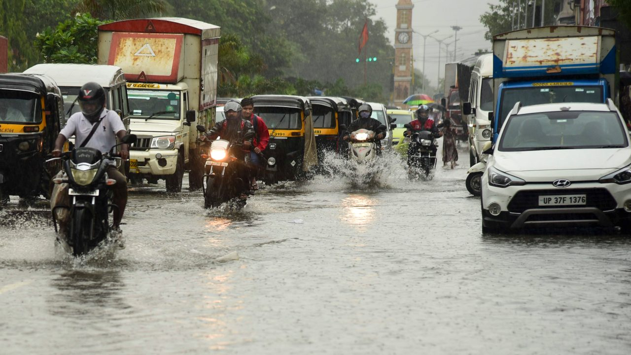 Red Alert Issued in Raigad, Mumbai, Thane; Moderate to Heavy Rainfall Expected in Parts of Maharashtra