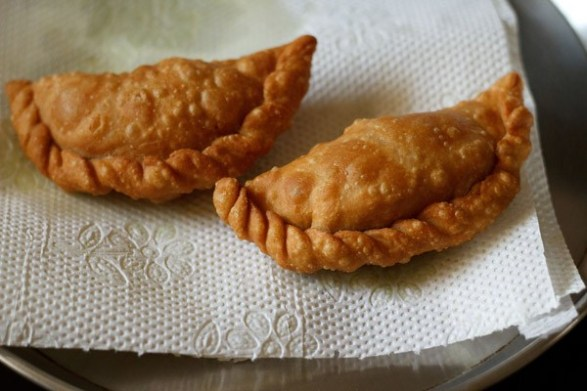 gujiya-recipe31