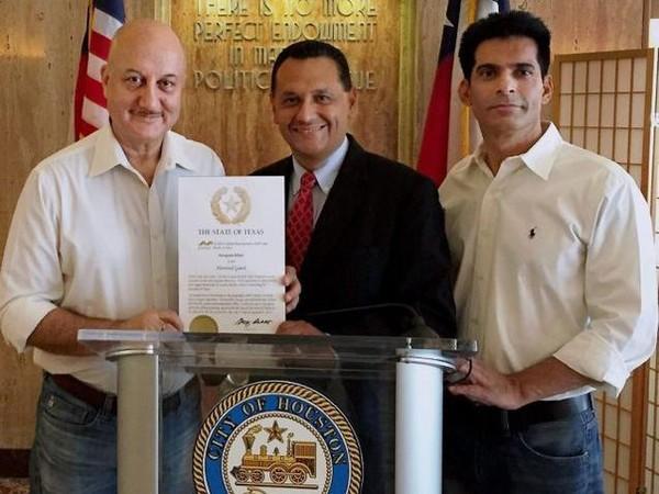 Anupam Kher Receives Honoured Guest Of Texas Award