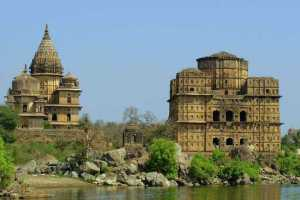 Orccha temple and cenotaph, India heritage tours