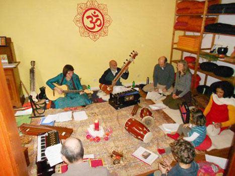 Singevent mit Mutriba und Pradeep: Bhajan, Kirtan, Mantra: Sonntag 09.04.2017
