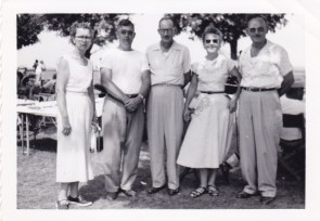 Leone McClintock (left), Elzie McClintock (3rd from left), Nellie Deavers (4th), Dale Deavers (5th)