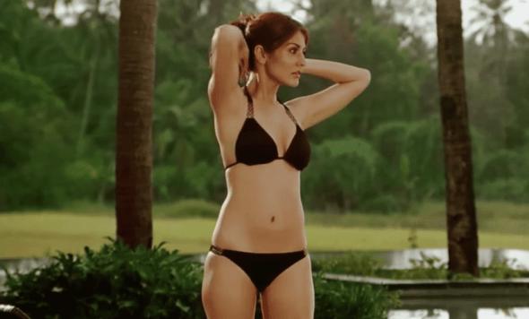anushka bikini 13