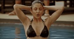 anushka bikini 21