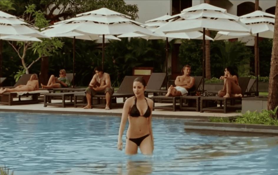 anushka bikini 24