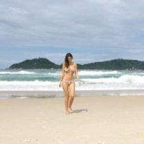 Bruna-Abdullah-sizzles-in-bikini-2-346x260