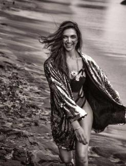 Deepika-Padukone-in-Filmfare-Magazine-2017-9