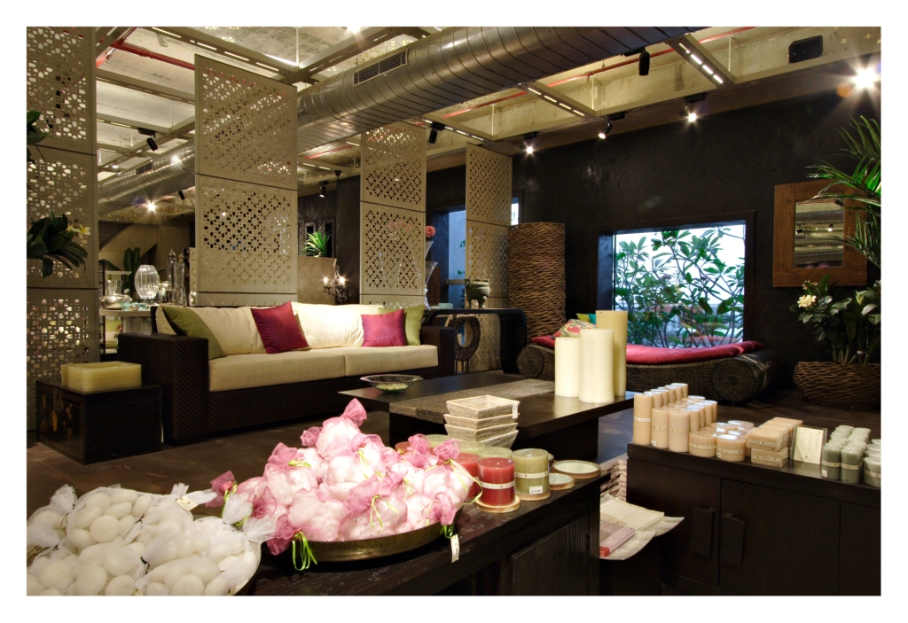 Design Feature Gt Good Earth Flagship Store Delhi INDIAN