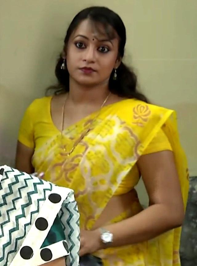Sreeja_Bommalattam_024_Saree MR
