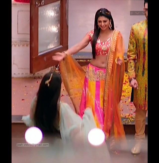 Mohena Singh_Hindi TV Celeb_02_Hot Lehenga Choli Pics