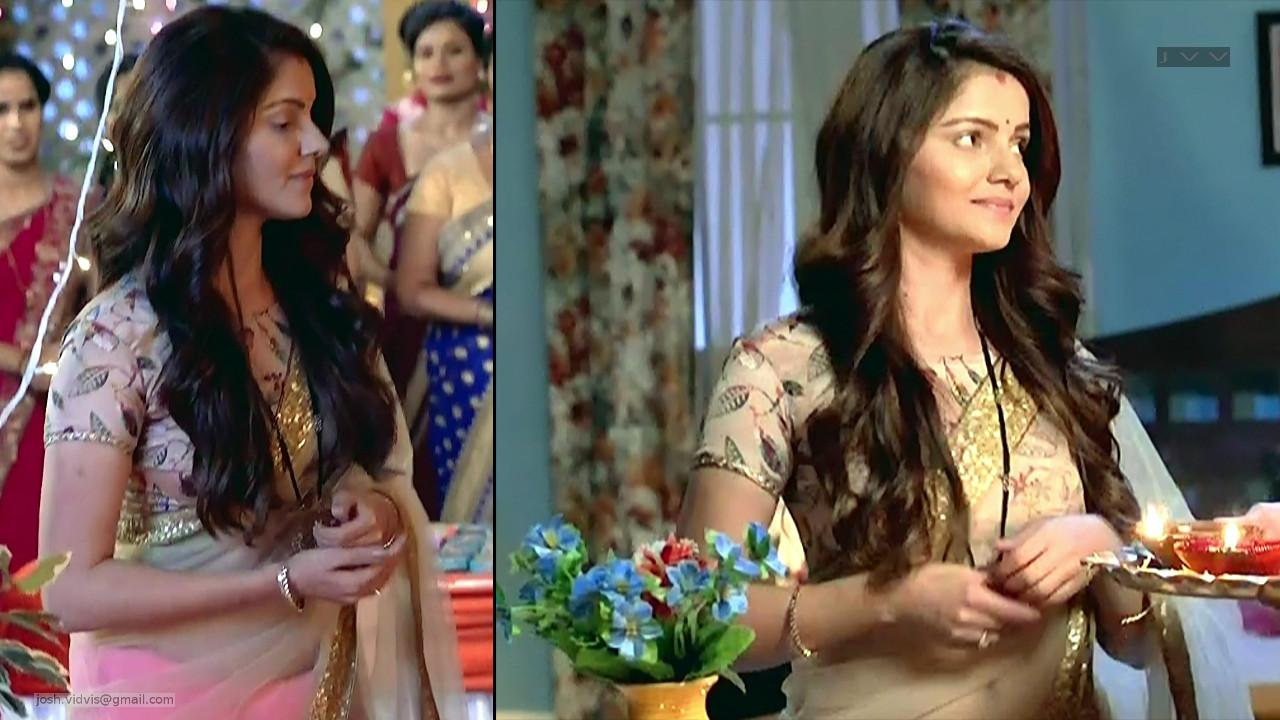 Rubina Dilaik_Desi TV celeb_02_Sari Pics