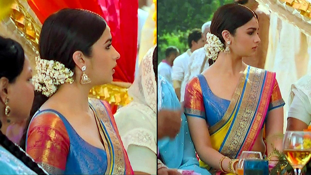 Alia Bhat_Bollywood Actress_09_Saree song Stills