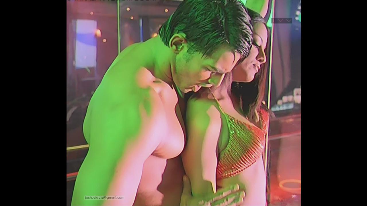 Celina Jaitley_Bollywood Actress_08_Hot movie stills